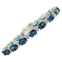 26.60 Carat Natural Topaz 18 Karat White Gold Diamond Bracelet