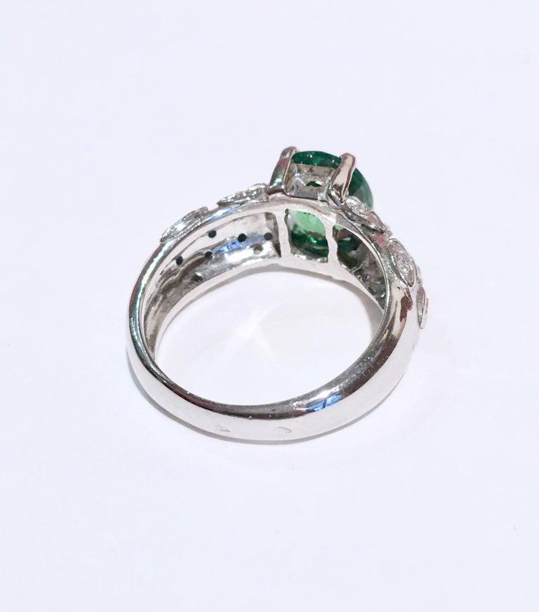 2.67 Carat Oval Tsavorite Garnet Diamonds 18 Karat White Gold Ring In New Condition For Sale In Paris, FR