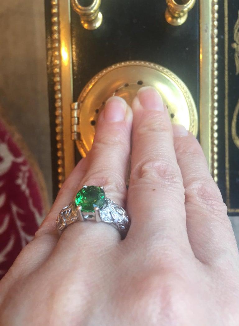 Women's 2.67 Carat Oval Tsavorite Garnet Diamonds 18 Karat White Gold Ring For Sale