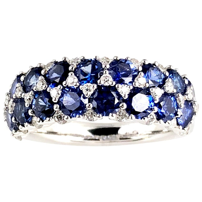 2.68 Carat Blue Sapphire and 0.44 Carat Diamond Fashion Ring in 18k White Gold For Sale