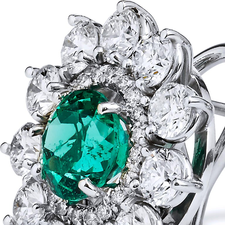 2.69 Carat Zambian Emerald with 3.46 Diamond Earrings in 18 Karat White Gold In New Condition For Sale In Miami, FL