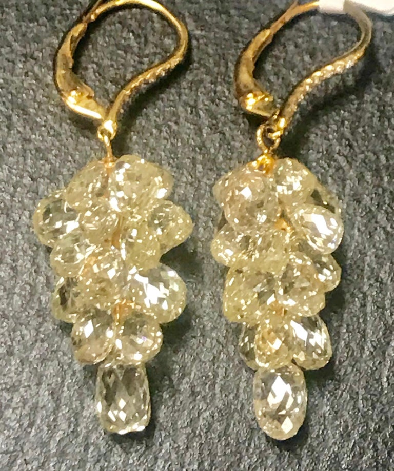 27 Carat Diamond Briolettes Hanging Drop Earrings 18 Karat Gold In Excellent Condition For Sale In New York, NY