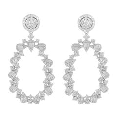 2.70 Carat Diamond 18 Karat Gold Chandelier Earrings