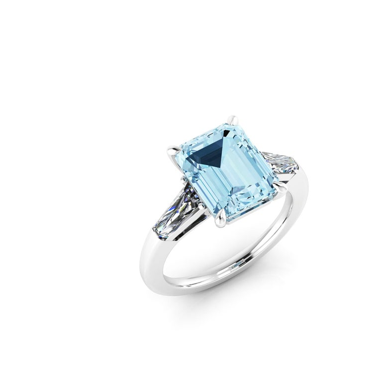 2.70 Carat Emerald Aquamarine 0.40 Carat Baguette Diamonds Cocktail Ring In New Condition For Sale In New York, NY