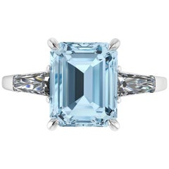 2.70 Carat Emerald Aquamarine 0.40 Carat Baguette Diamonds Cocktail Ring