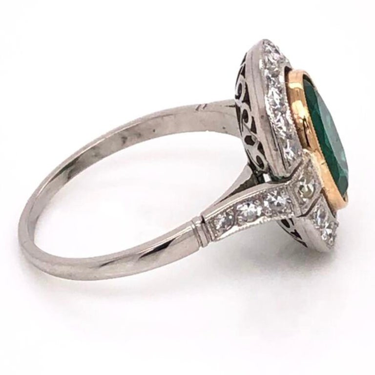 2.70 Carat Emerald and Diamond Art Deco Style Platinum Engagement Ring In Excellent Condition For Sale In Montreal, QC