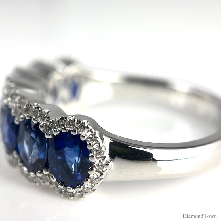 Contemporary DiamondTown 2.76 Carat Vivid Blue Sapphire and Diamond Ring in 18 Karat Gold For Sale
