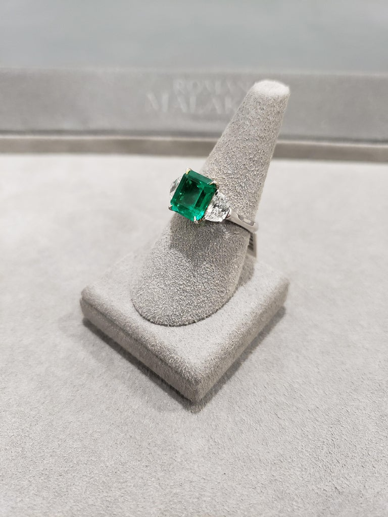 Emerald Cut 2.77 Carat Colombian Emerald and Diamond Three-Stone Engagement Ring For Sale