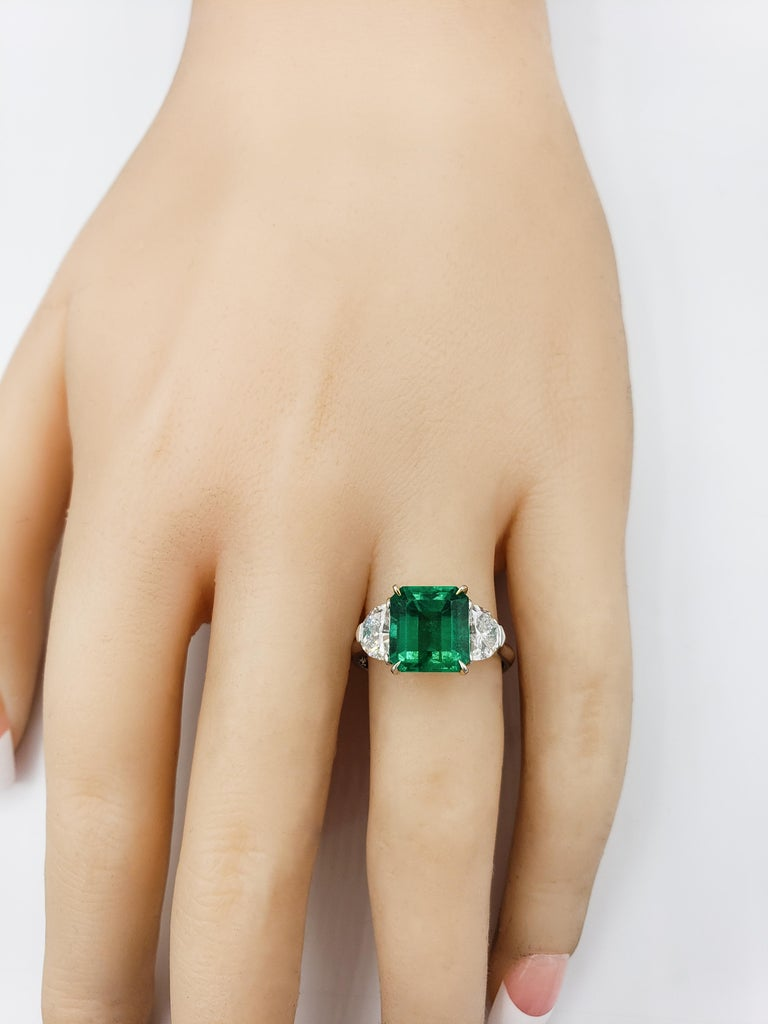 Women's 2.77 Carat Colombian Emerald and Diamond Three-Stone Engagement Ring For Sale