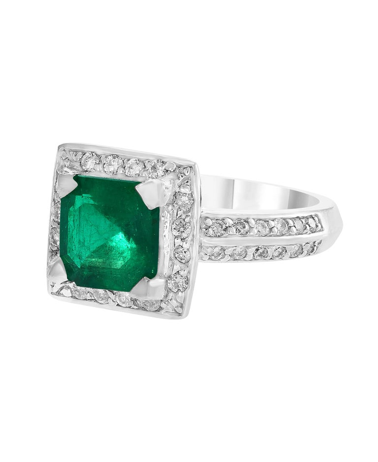 2.8 Carat Emerald Cut Colombian Emerald and Diamond Ring Estate In Excellent Condition For Sale In Scarsdale, NY