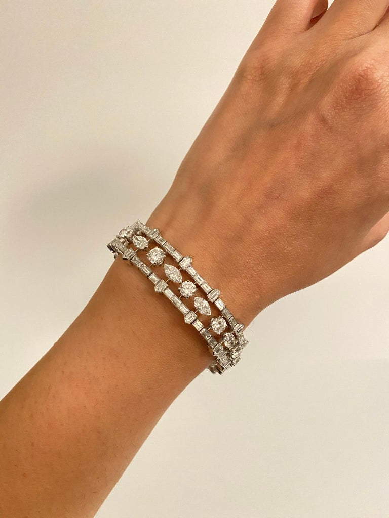 28 Carat Multi-Shaped Diamond and Platinum Bracelet by Van Cleef & Arpels In Excellent Condition For Sale In New York, NY
