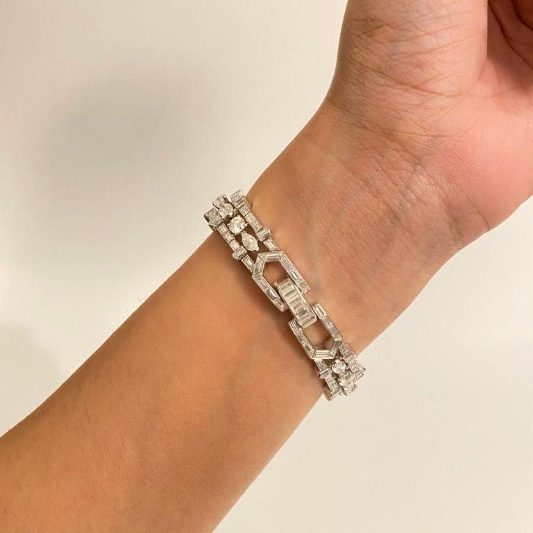 28 Carat Multi-Shaped Diamond and Platinum Bracelet by Van Cleef & Arpels For Sale 1