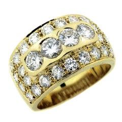 2.80 carat Diamond and Yellow Gold Ring