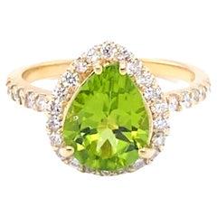 2.82 Carat Peridot Diamond 14 Karat Yellow Gold Engagement Ring