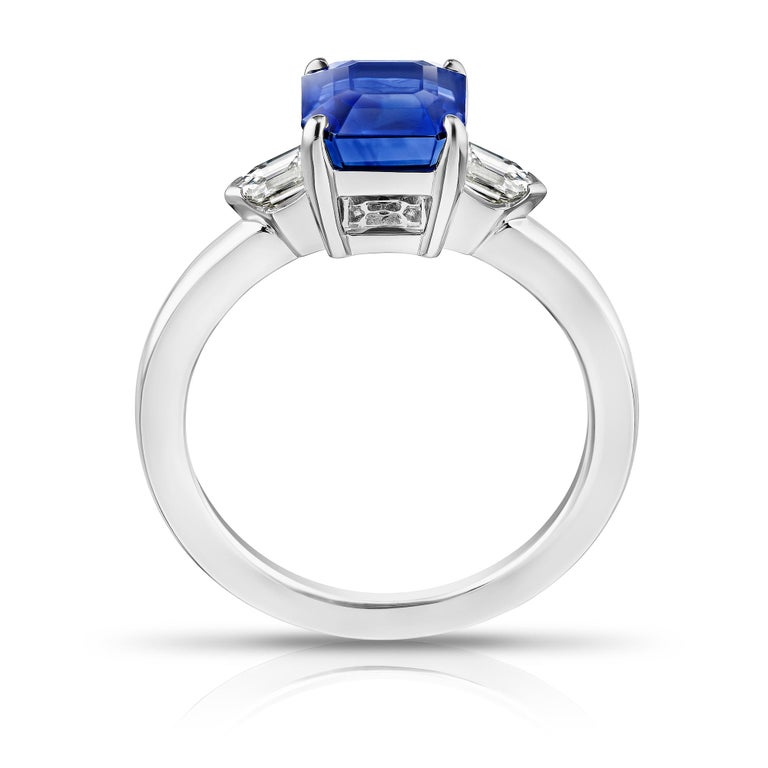 Contemporary 2.83 Carat Emerald Cut Blue Sapphire and Diamond Ring For Sale