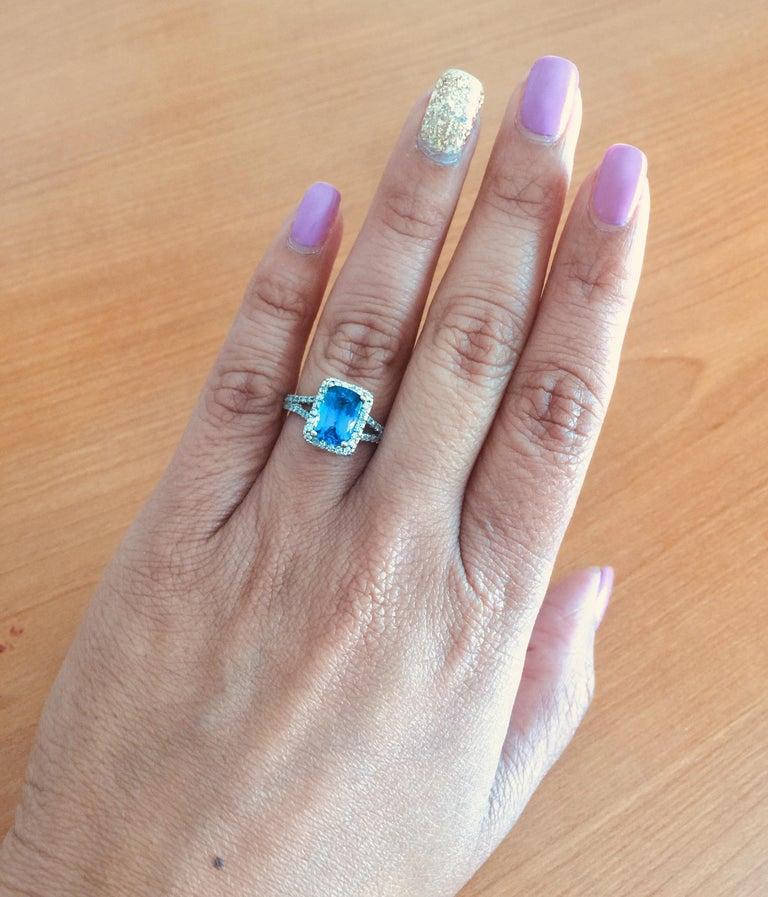 Women's 2.85 Carat Tanzanite Diamond Cocktail White Gold Ring For Sale