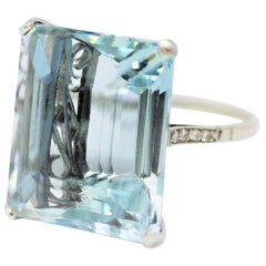 28.50 Carat Emerald Cut Aquamarine Cocktail Ring, Platinum, circa 1920s
