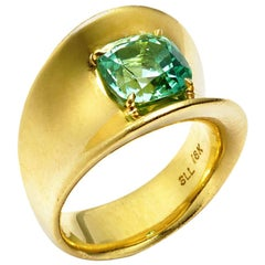 2.86 Carat Mint Tourmaline Beach Ring Set in 18 Karat Gold