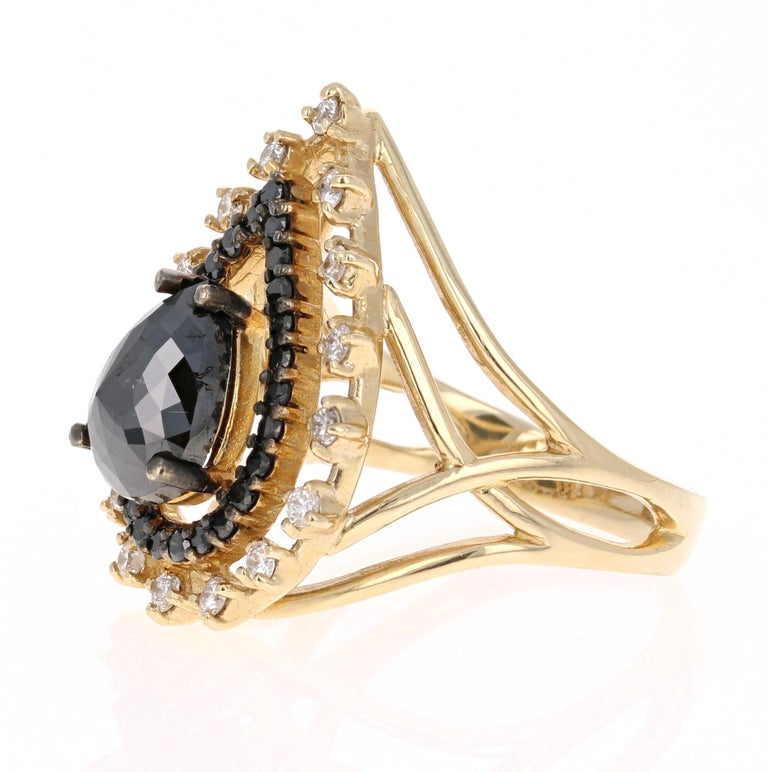 2.86 Carat Pear Cut Black Diamond Yellow Gold Cocktail Ring In New Condition For Sale In San Dimas, CA
