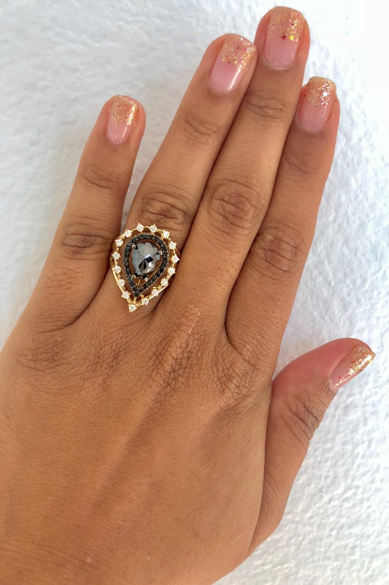 2.86 Carat Pear Cut Black Diamond Yellow Gold Cocktail Ring For Sale 2