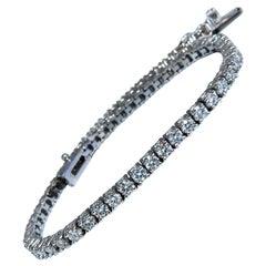 2.87 Carat Natural Diamonds Tennis Bracelet 14 Karat Gold Classic Riviera