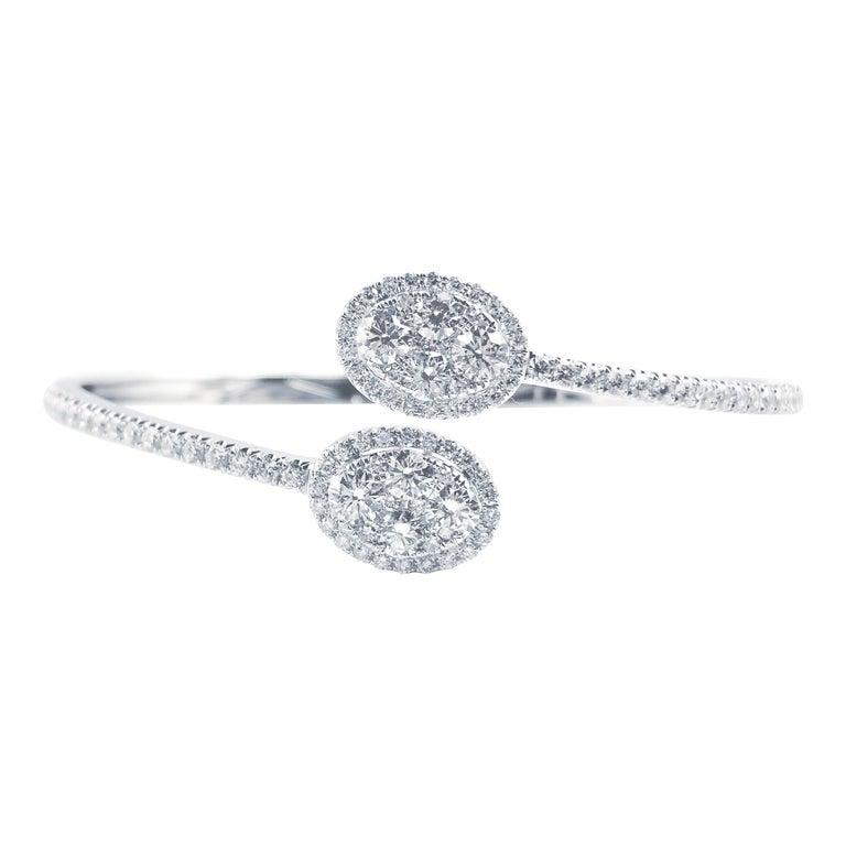 2.88 Carat Diamond Bangle Bracelet in 18 Karat White Gold by Diamond Town For Sale