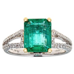 2.88 Carat Emerald and 0.65 Carat Diamond Ring in 18 Karat White and Yellow Gold