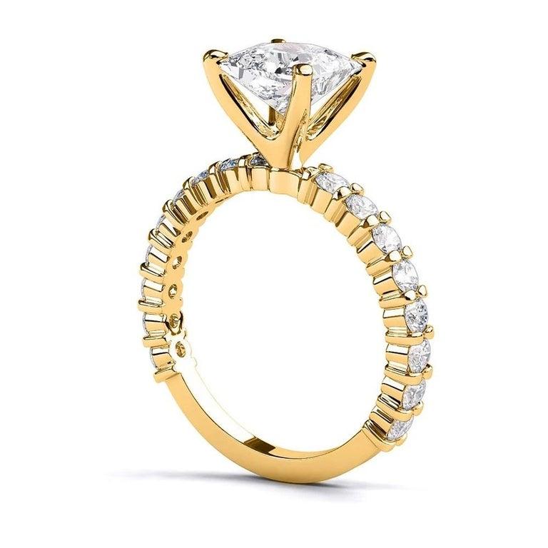 Princess Cut 2.9 Carat 14 Karat Yellow Gold Princess Diamond Ring, Vintage Style Ring For Sale