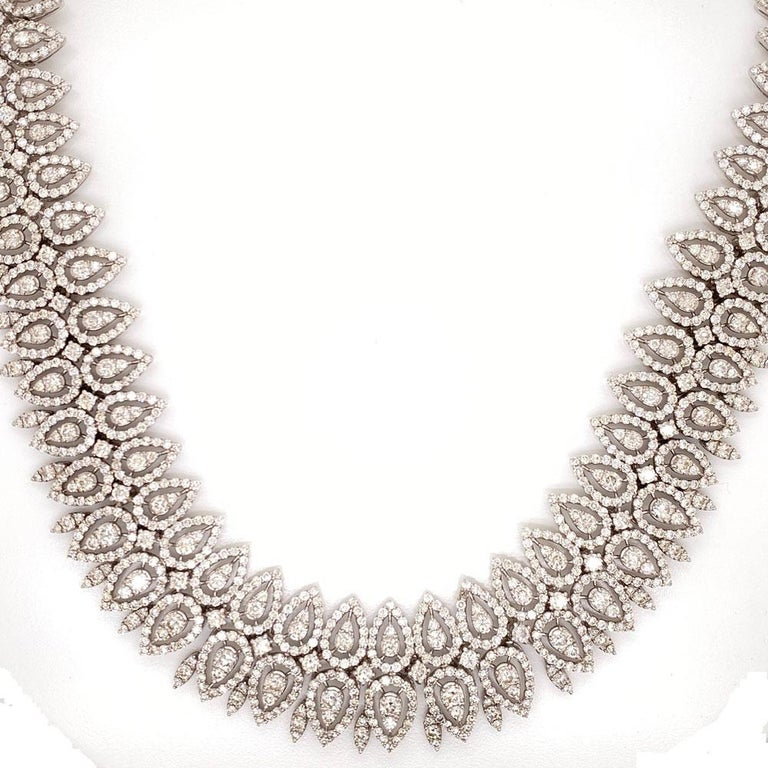 Contemporary 29 Carat Wide Diamond 18 Karat White Gold Necklace For Sale