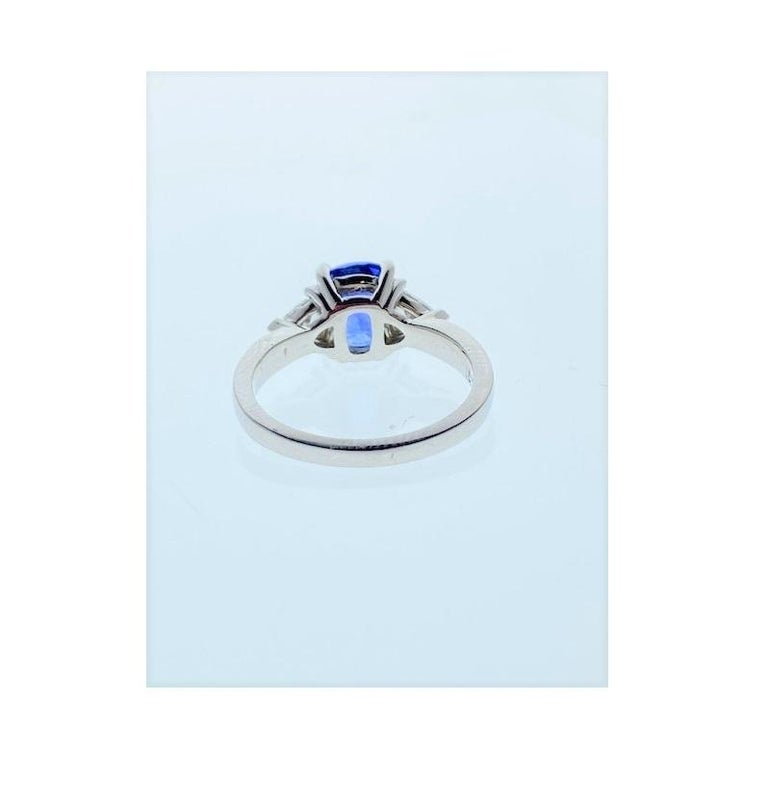 2.90 Carat Cushion Cut Blue Sapphire and Diamond Cocktail Ring in 18 Karat Gold For Sale 1