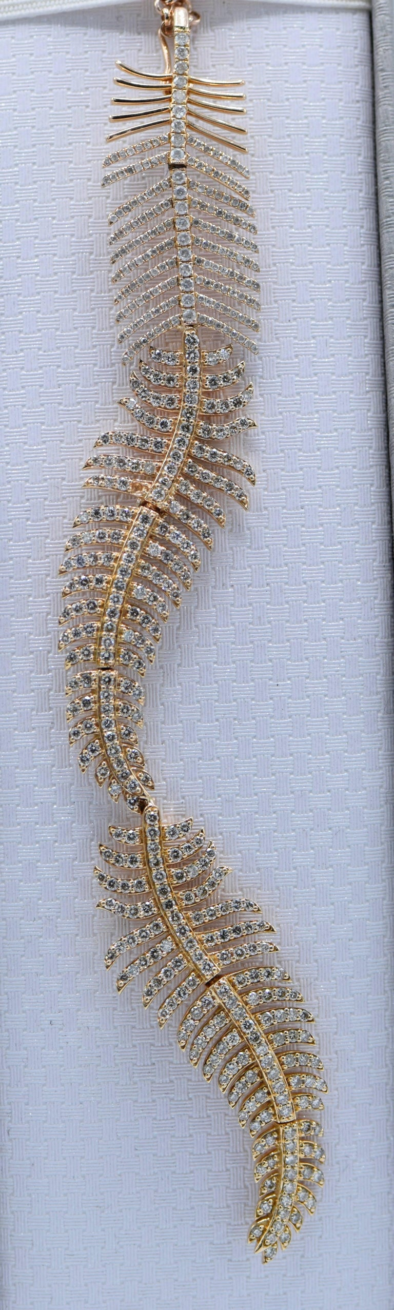 Women's 2.90 Carat Diamond and Pink Gold Feather Necklace For Sale