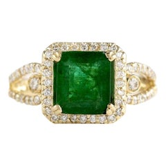 2.90 Carat Natural Emerald 18 Karat Yellow Gold Diamond Ring
