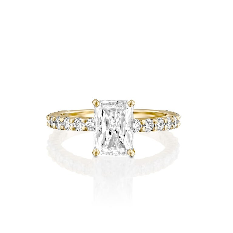 2.90 Carat Radiant Cut Diamond Ring, 18 Karat Yellow Gold Classic Ring In New Condition For Sale In New York, NY