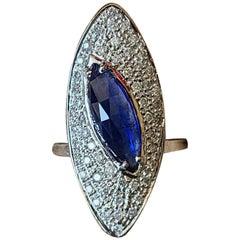 2.92 Carat Blue Sapphire Ring Set in 18 Karat Gold with Diamonds