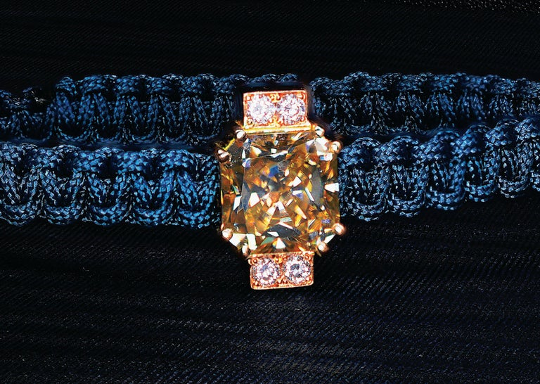 Round Cut 2.92 Carat Radiant Fancy Light Yellow Moissanite Diamond 18 kt Macrame Bracelet For Sale