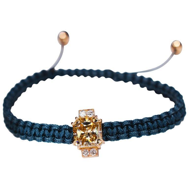 2.92 Carat Radiant Fancy Light Yellow Moissanite Diamond 18 kt Macrame Bracelet For Sale