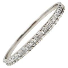 2.93 Carat Baguette and Princess Cut Diamond Hinged Bangle Bracelet 18K Gold