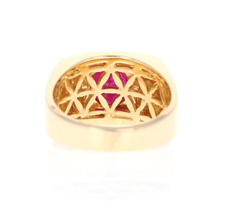 Oval Cut 2.93 Carat Men's Ruby Diamond 14 Karat Yellow Gold Ring For Sale
