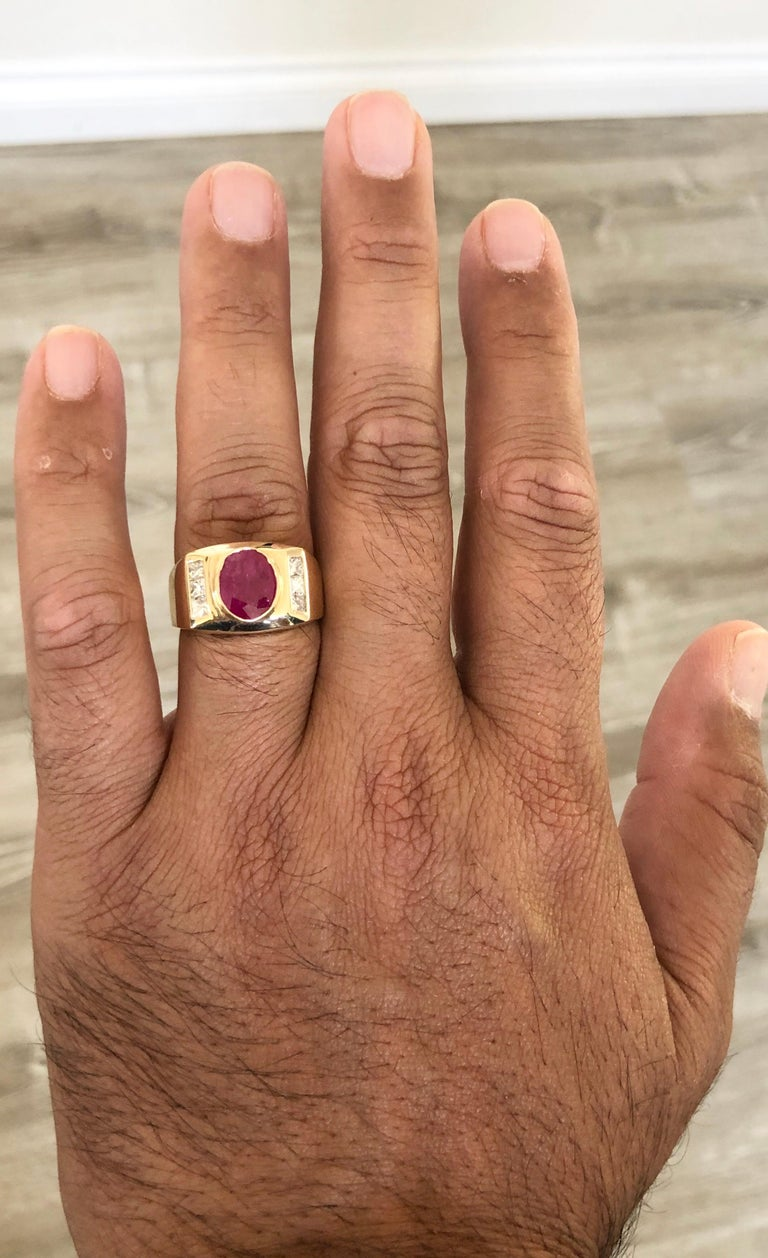 2.93 Carat Men's Ruby Diamond 14 Karat Yellow Gold Ring In New Condition For Sale In Los Angeles, CA