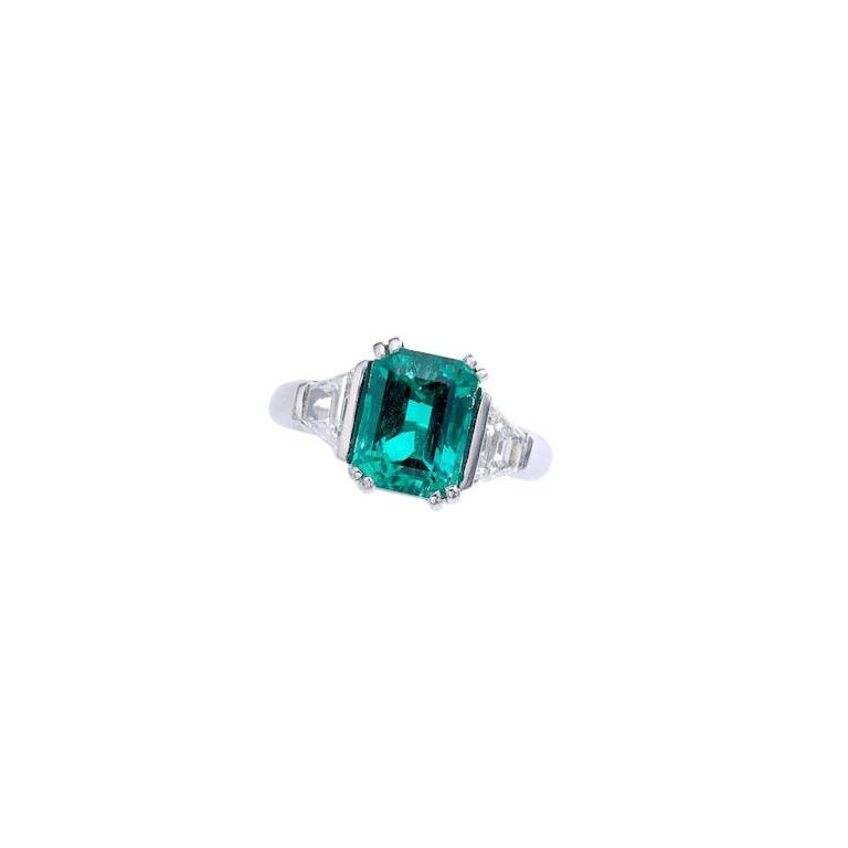 2.94 Carat Colombian Emerald Diamond and Platinum French Ring For Sale