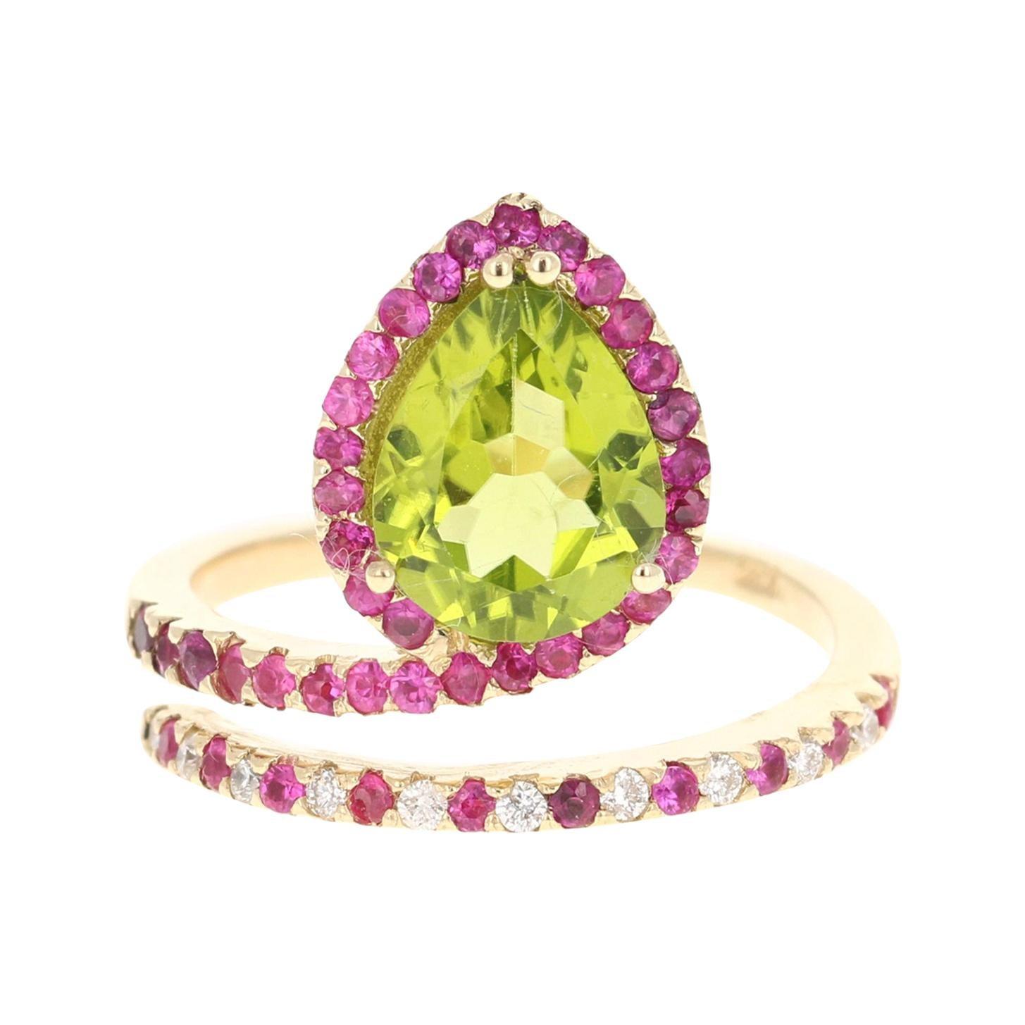 2.94 Carat Peridot Sapphire Diamond 14 Karat Yellow Gold Engagement Ring