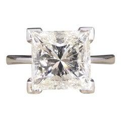 2.95 Carat Princess Cut Diamond Solitaire Engagement Ring in 18 Carat White Gold