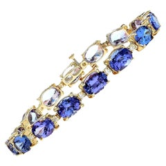 29.50 Carat Tanzanite 18 Karat Solid Yellow Gold Diamond Bracelet