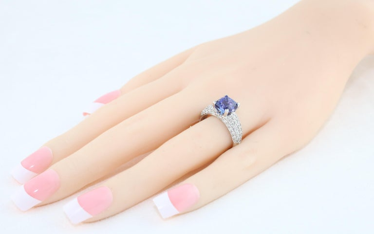 2.97 Carat Cushion Tanzanite Diamond Gold Pave Ring In New Condition For Sale In New York, NY
