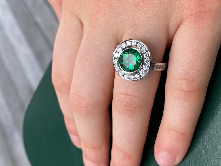 2.99 Carat Vivid Green Emerald and Diamond Ring in Platinum For Sale 5