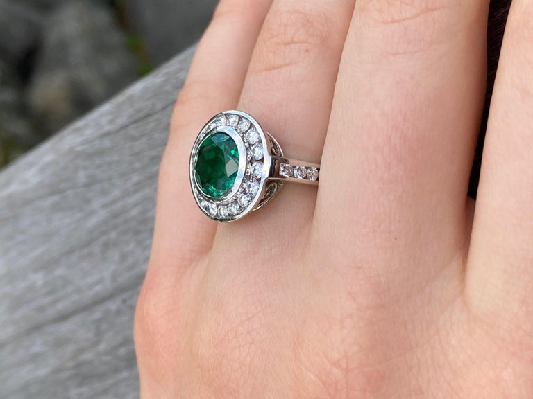 2.99 Carat Vivid Green Emerald and Diamond Ring in Platinum For Sale 3