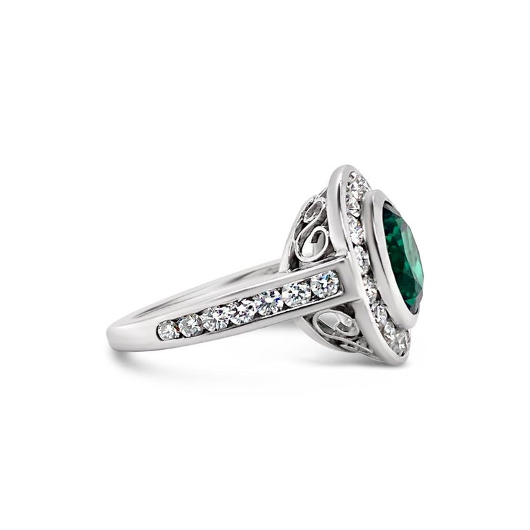 2.99 Carat Vivid Green Emerald and Diamond Ring in Platinum In Excellent Condition For Sale In Palm Beach, FL