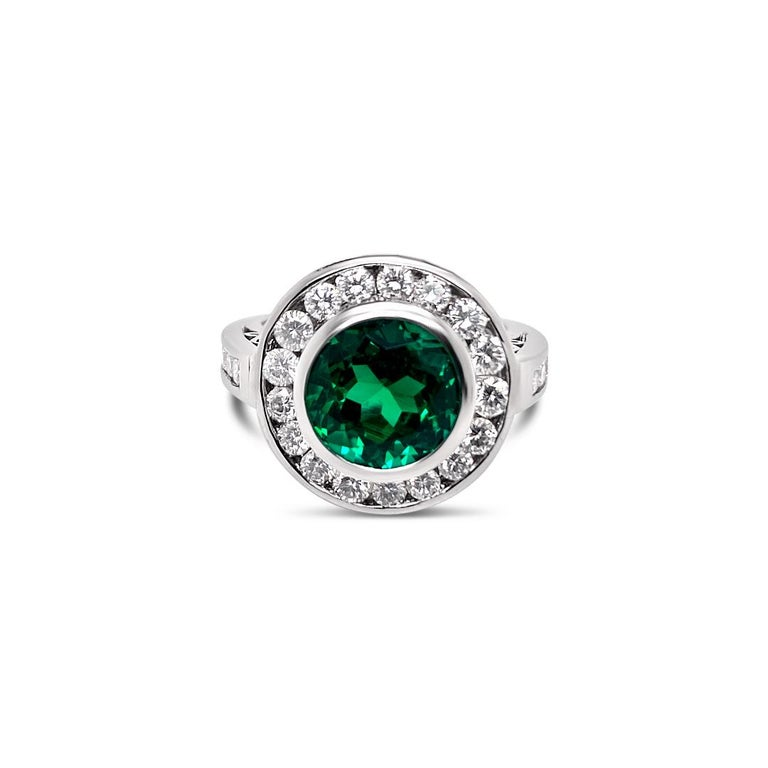 2.99 Carat Vivid Green Emerald and Diamond Ring in Platinum For Sale 2
