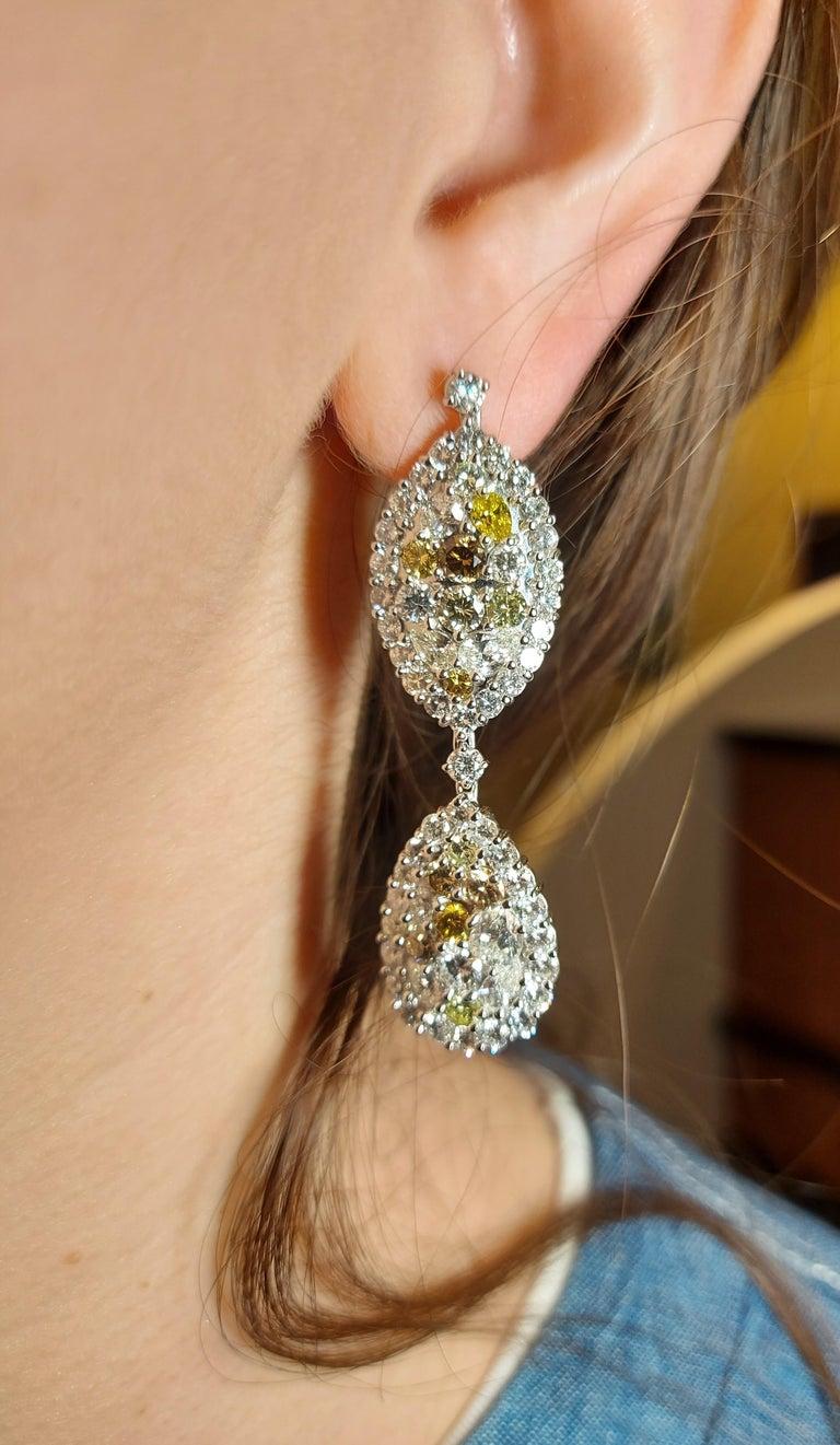 29.99 Carat Diamond, 18 Karat White Gold, Earrings, Cocktail Ring, Set For Sale 9