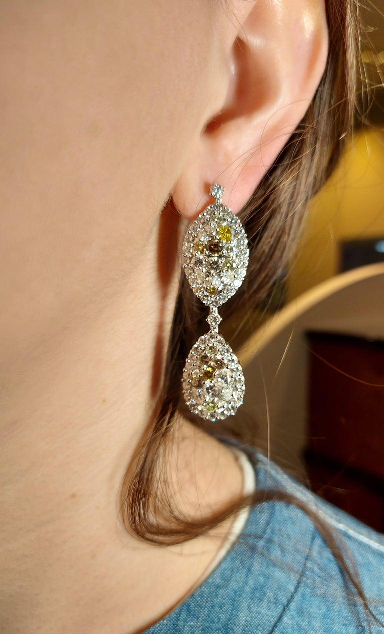 29.99 Carat Diamond, 18 Karat White Gold, Earrings, Cocktail Ring, Set For Sale 10